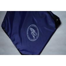 Vak na chrbát s logom Právnickej fakulty