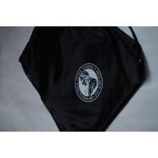 Vak na chrbát s logom univerzity
